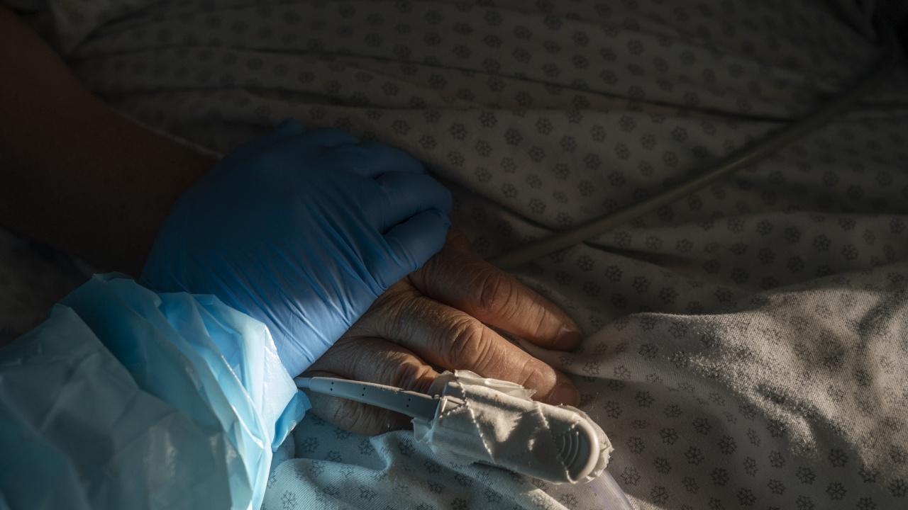 Жена от Великотърновско загуби битката с коронавируса