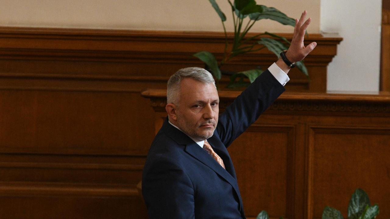 """""""Отровното трио"""" и Единната народна партия скочиха срещу назначението на Стамен Янев"""