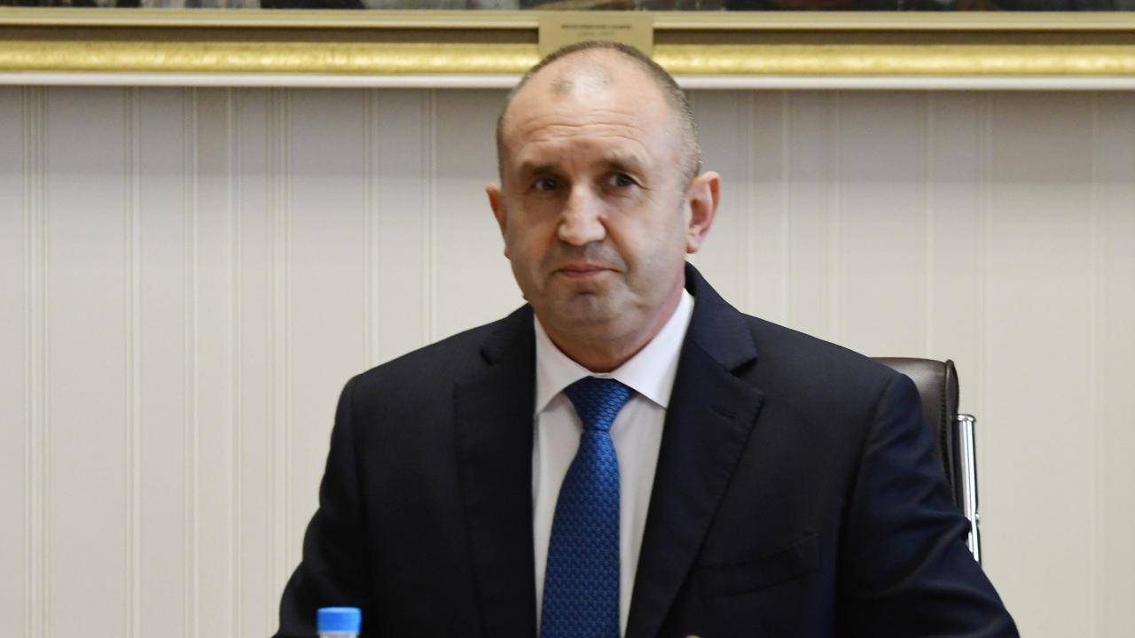 Румен Радев ще посети село Руня и Дряновския манастир
