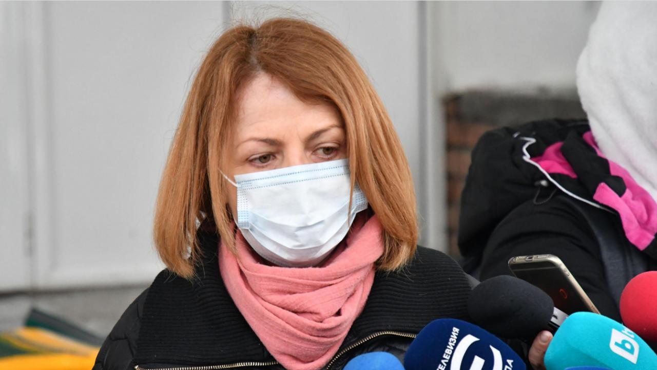 Йорданка Фандъкова: Започнахме почистването на 10 км от коритото на р. Искър