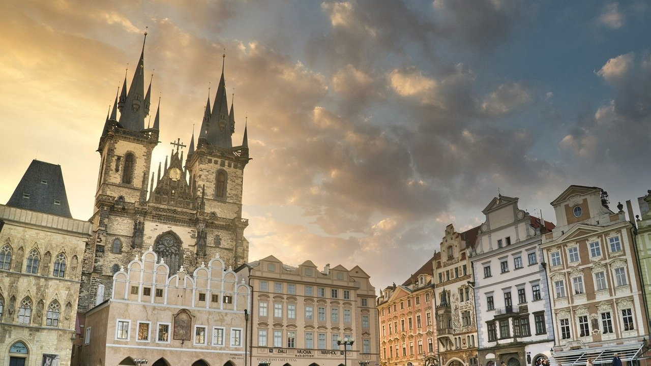 Чехия ще отвори от утре границите си за ваксинирани срещу COVID-19 туристи от шест европейски държави