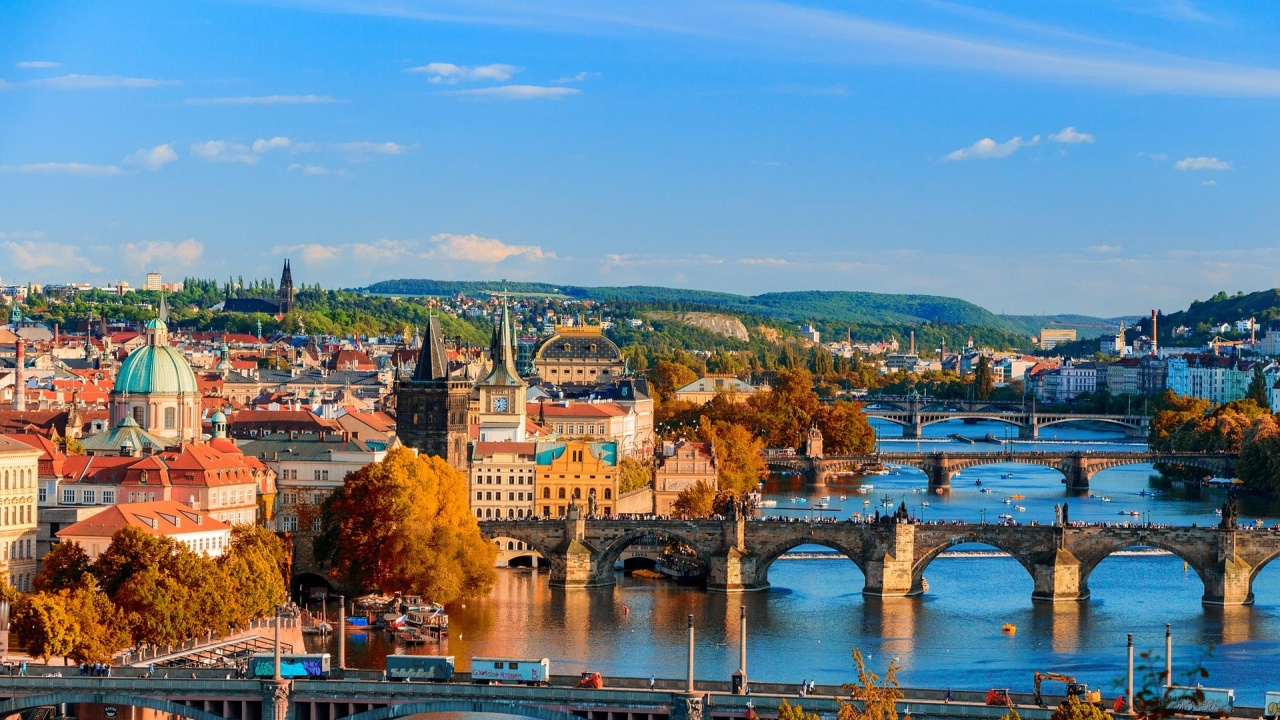 Чехия отвори границите си за ваксинирани туристи от шест държави