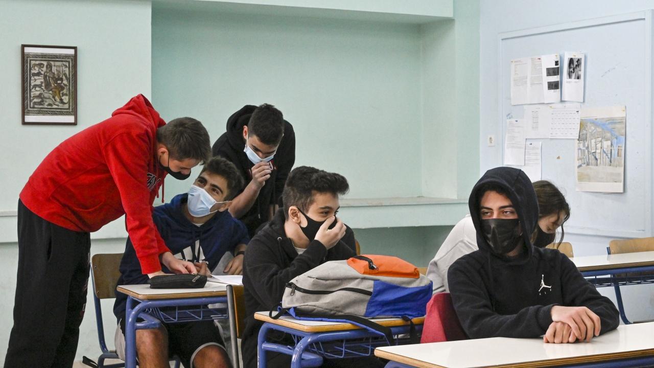 Ето кои ученици преминават към присъствено обучение