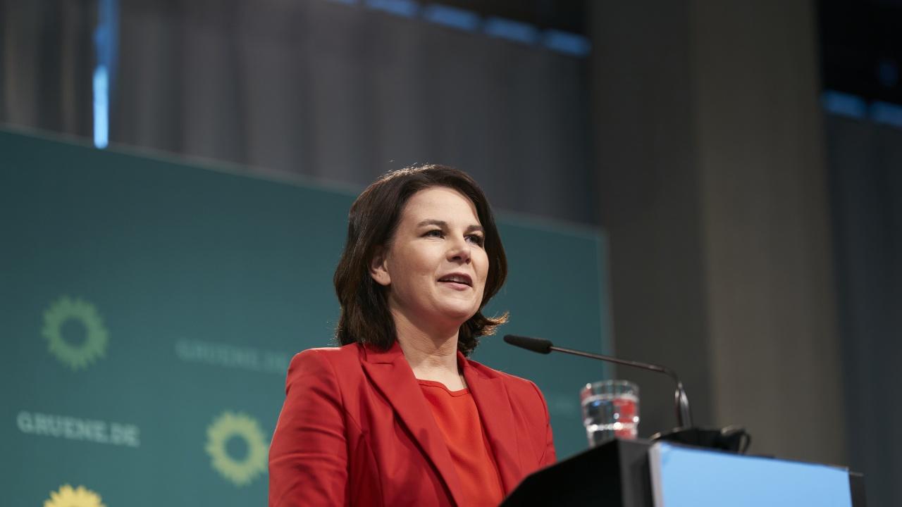 Кандидат за канцлер на Германия: Съпругът ми  ще се грижи за децата