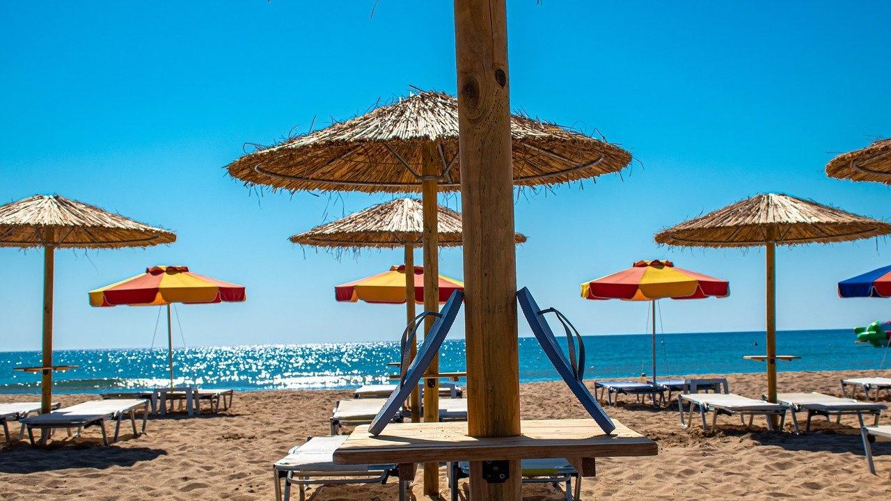 Проблемите с чадърите са на път да съсипят летния сезон
