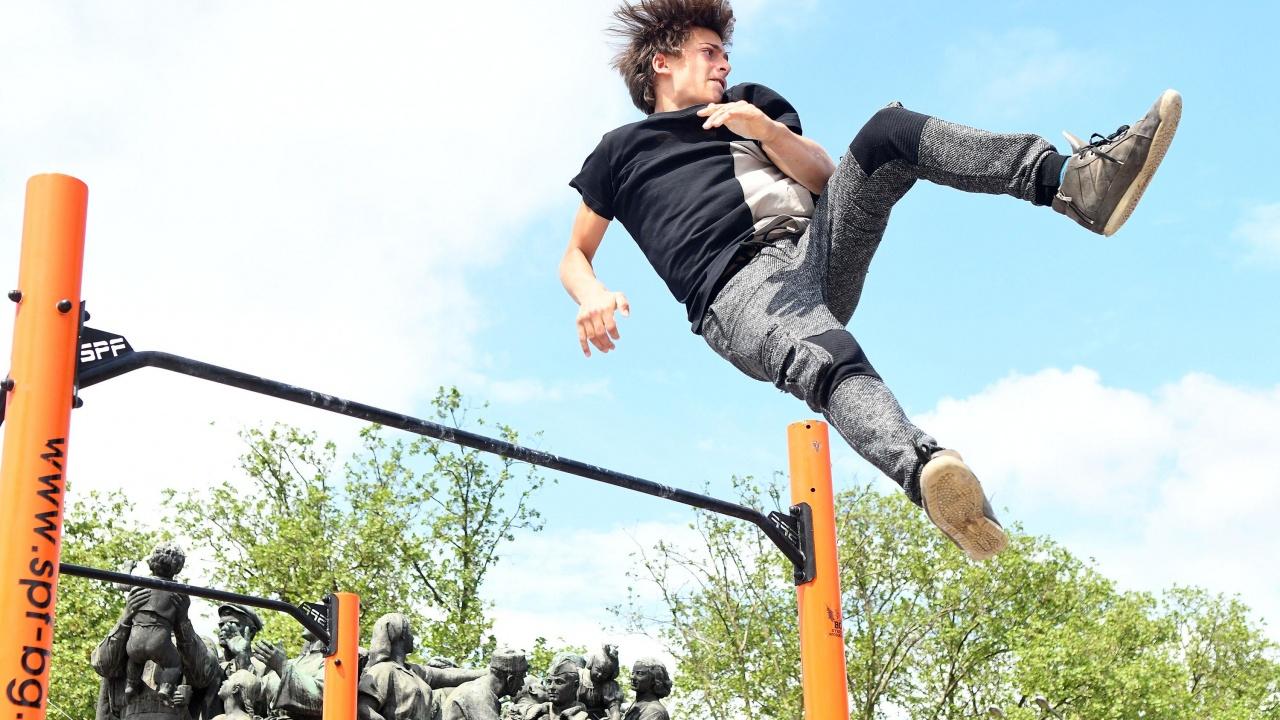 Младежи демонстрираха умения по стрийт фитнес и паркур