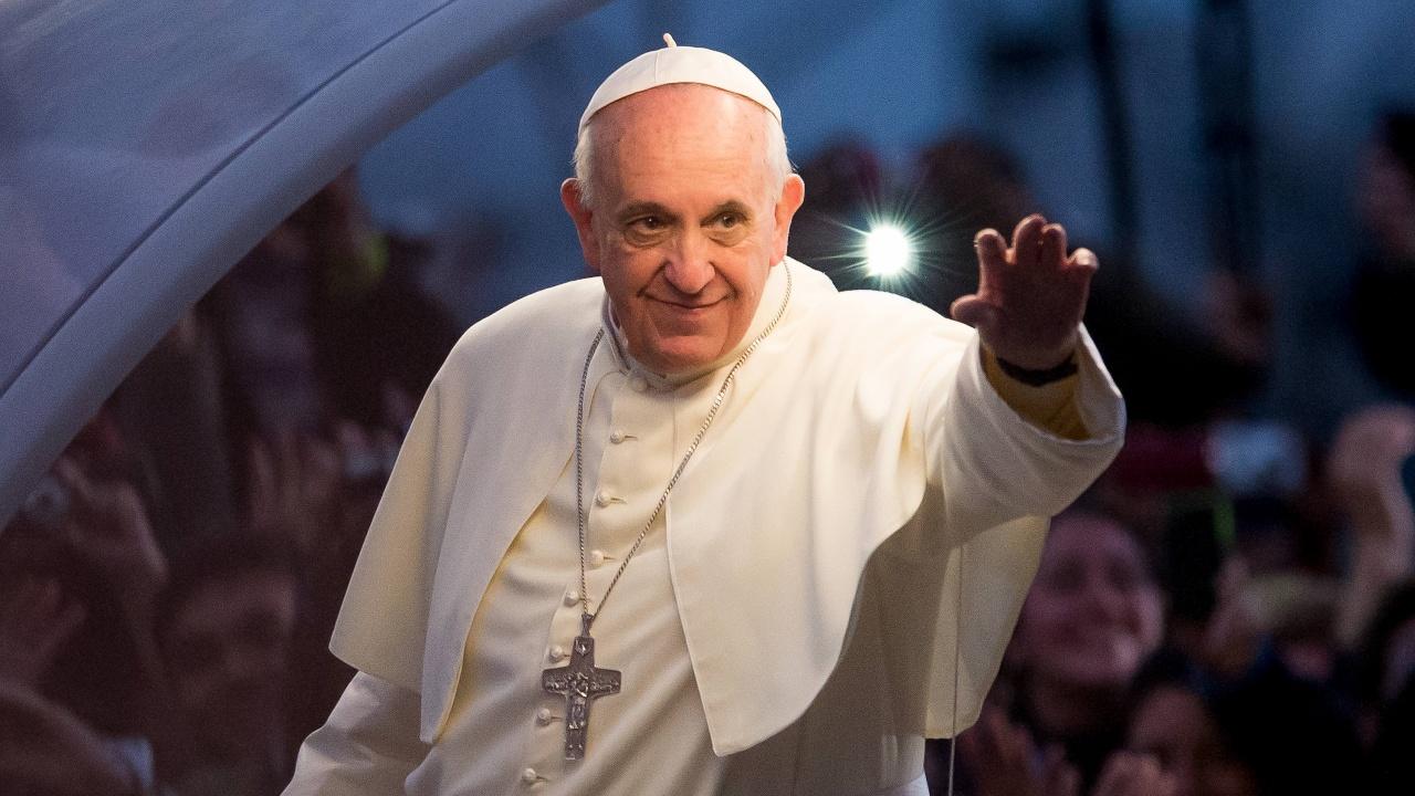 """Папа Франциск отправи предупреждение срещу """"спиралата на смъртта и разрушението"""" в Близкия изток"""