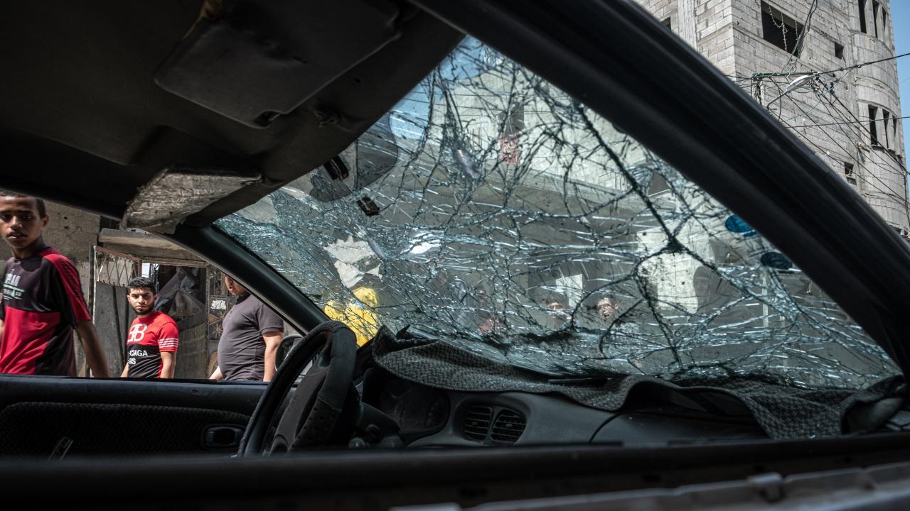 Седем души бяха ранени, след като автомобил се вряза в пешеходци в Ерусалим