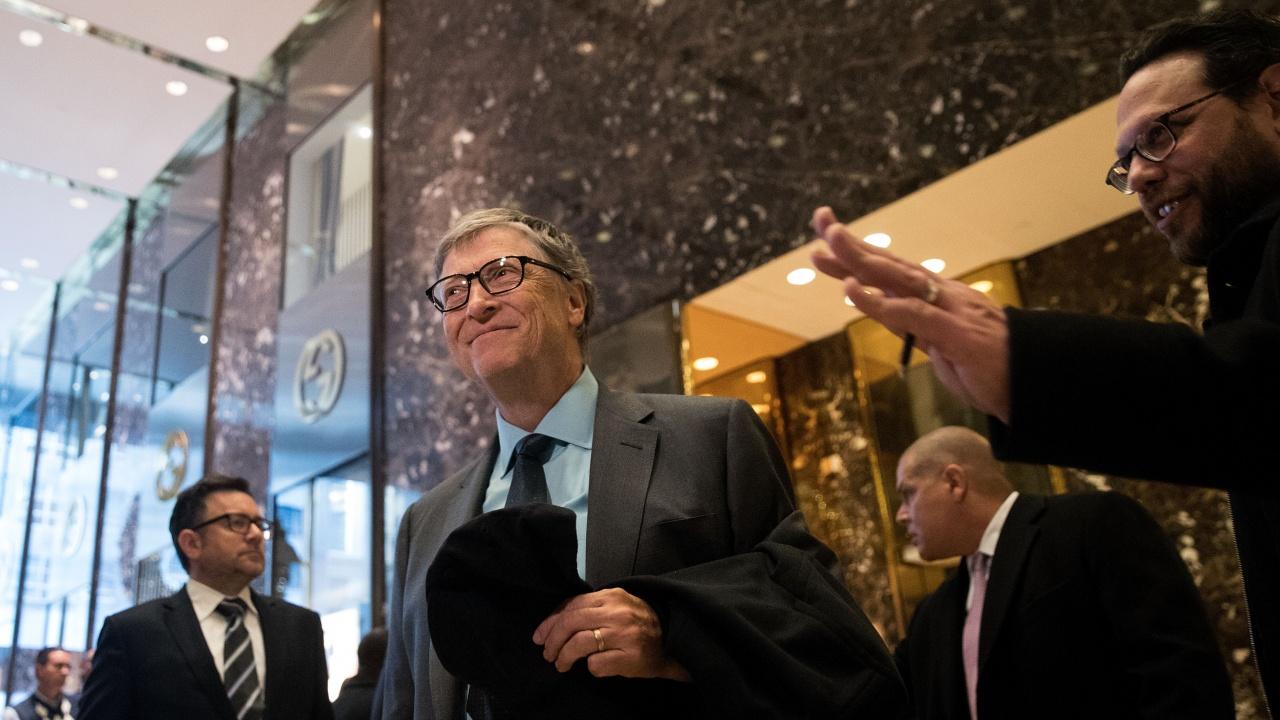 """Бил Гейтс напуснал """"Майкрософт"""" заради връзка със служителка на компанията?"""