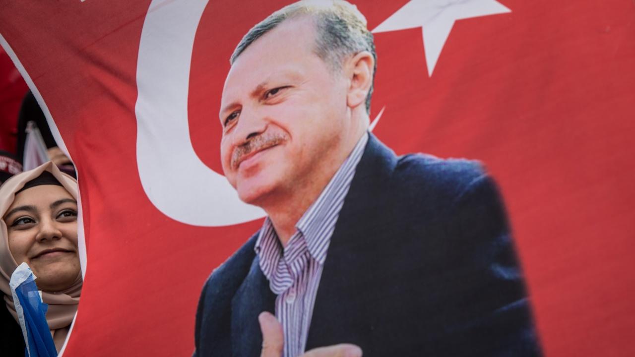 Проучване: Най-харесваният политик в Турция е Ердоган
