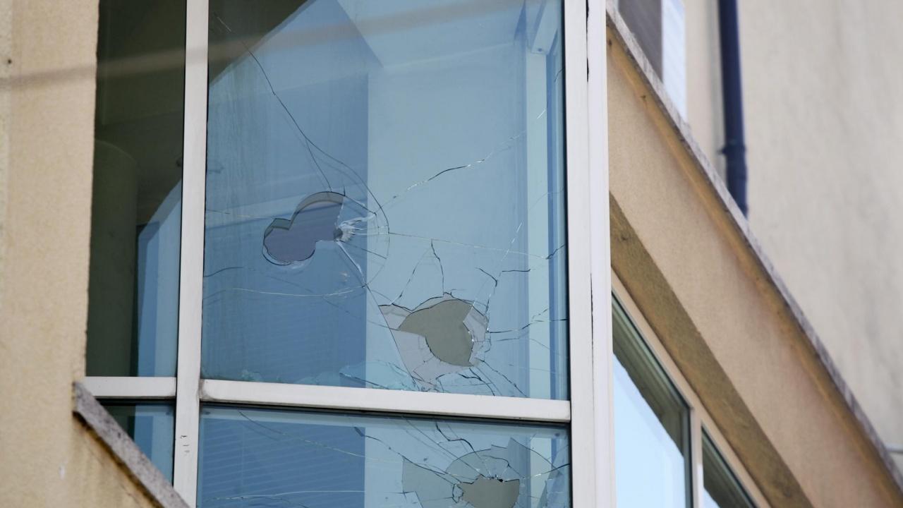 Тийнейджъри тормозят с бомбички цял столичен квартал