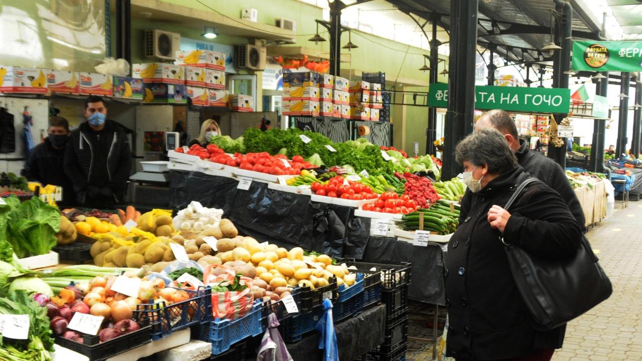 Неравната схватка с невидимата ръка на инфлацията