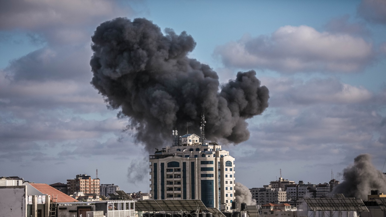 Ракетният обстрел срещу Израел продължава