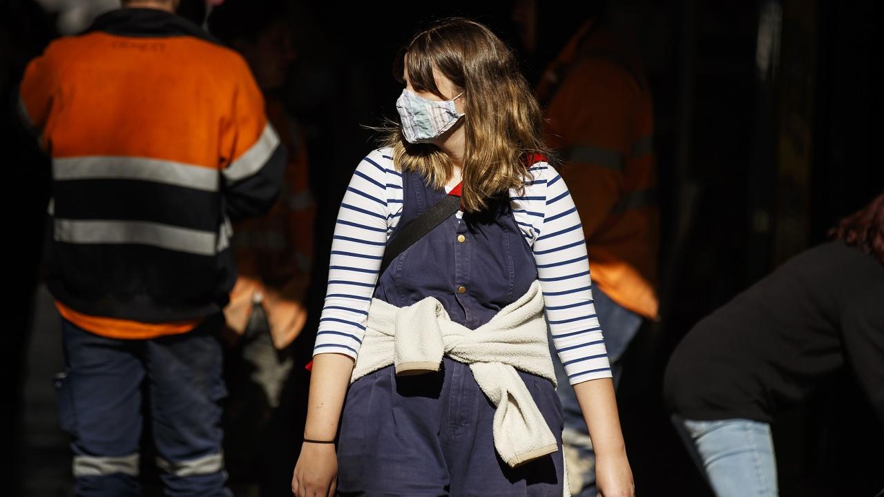 Испания обмисля отмяна на задължителните маски на открито