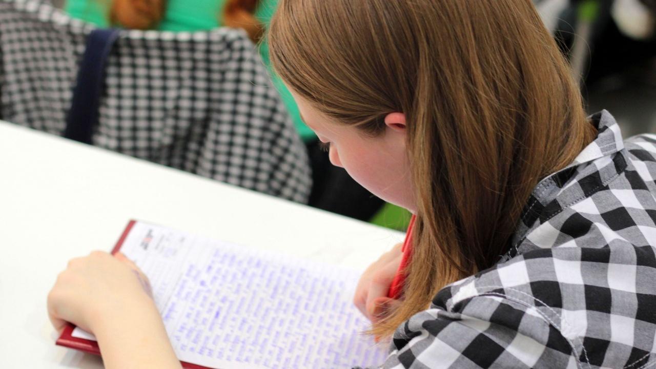 Учебната година се удължава само за малко над 300 училища