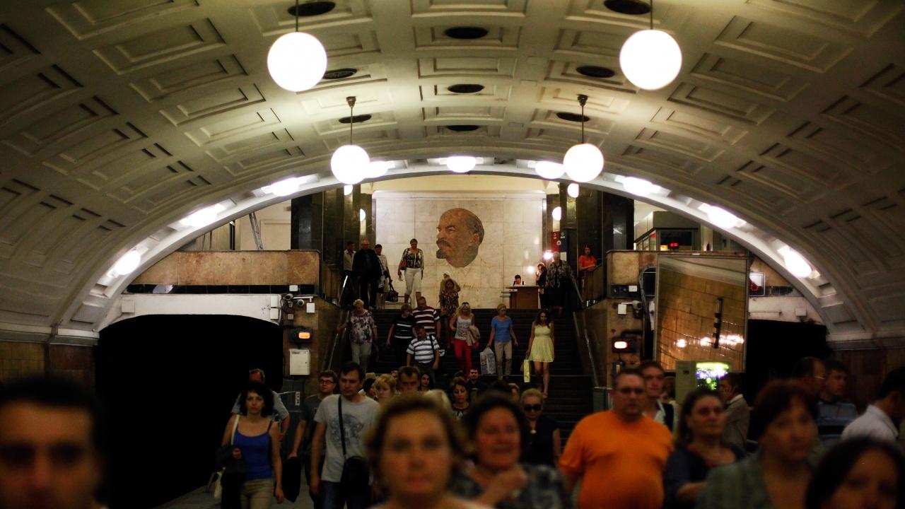 Близо стотина служители на Московското метро бяха уволнени заради подкрепа към Навални