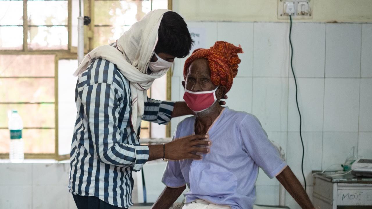 Индия отчете нов рекорд при починалите с коронавирус за 24 часа