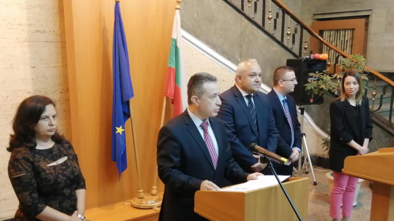 Янаки Стоилов представи екипа и приоритетите си, възлага проверки