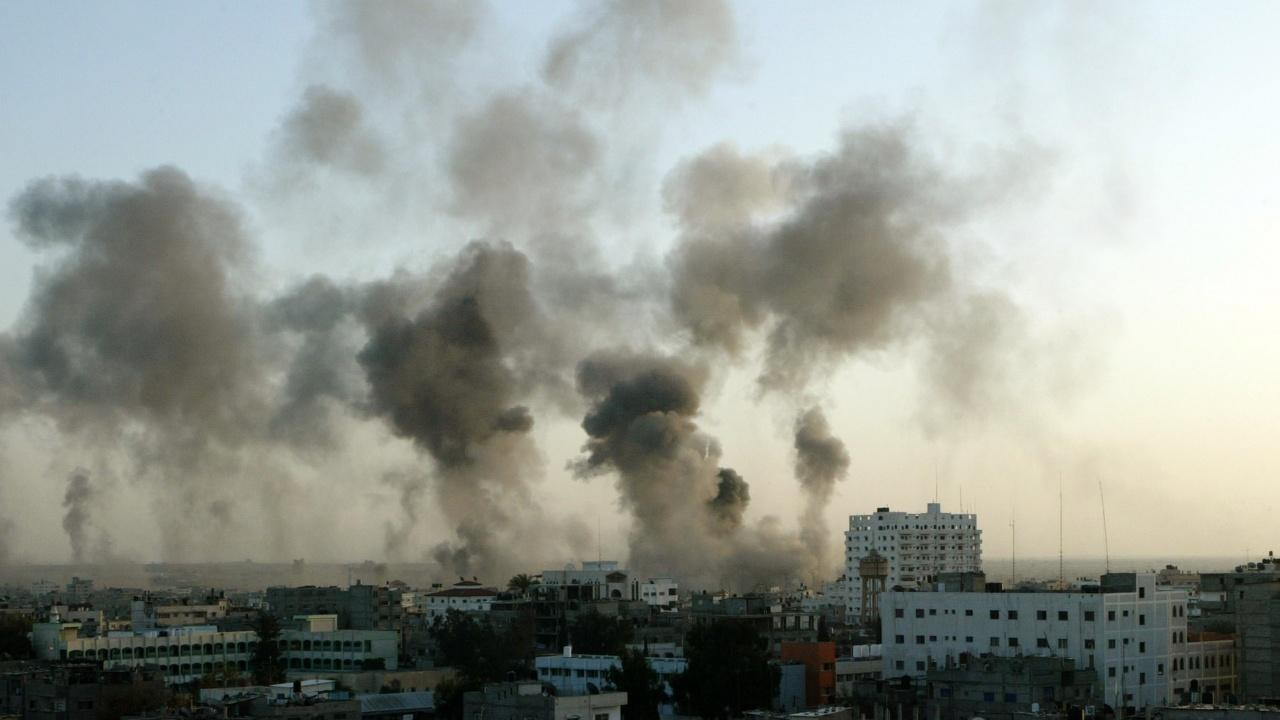 Израел реши да затвори граничен пункт с ивицата Газа след обстрел
