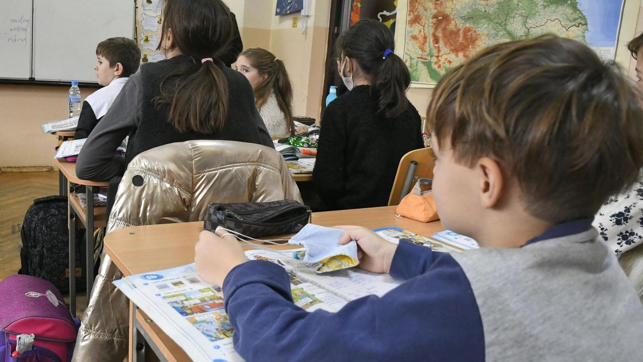 Разрешават присъственото обучение на всички ученици