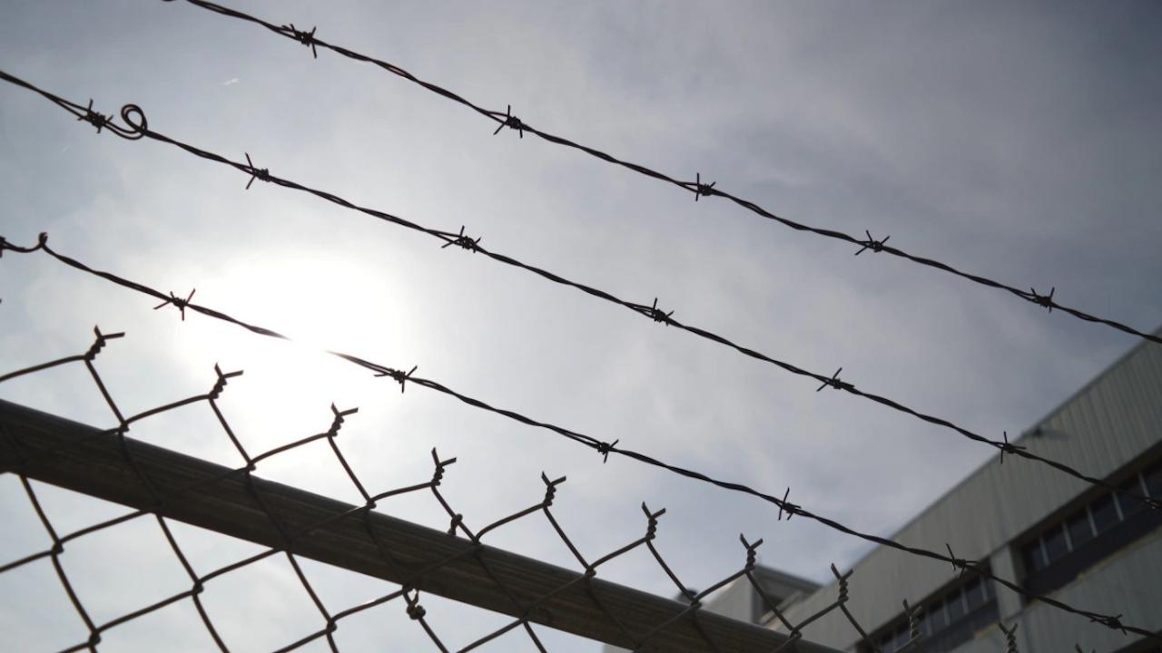 Постоянен арест за шофьора на български ТИР, предизвикал катастрофа с четирима загинали