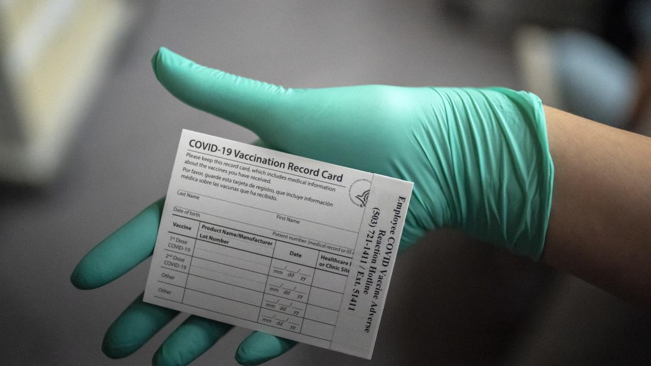 Какъв е редът за коригиране на сгрешени данни в сертификатите за ваксинация?