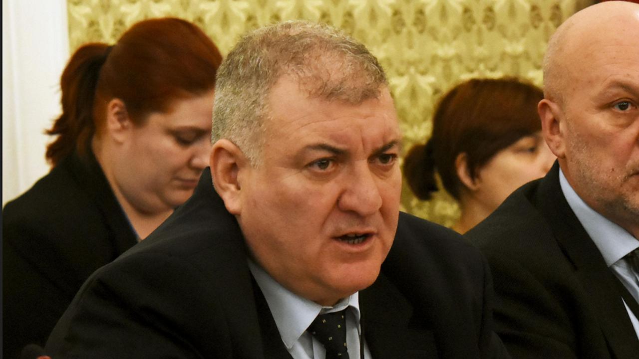 Георги Костов отговори на служебния министър на финансите след уволнението си