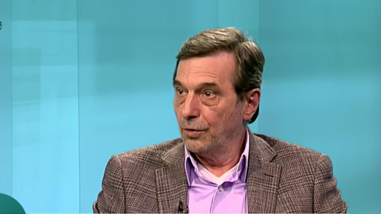 Димитър Манолов: Служебното правителство прави опити за революция