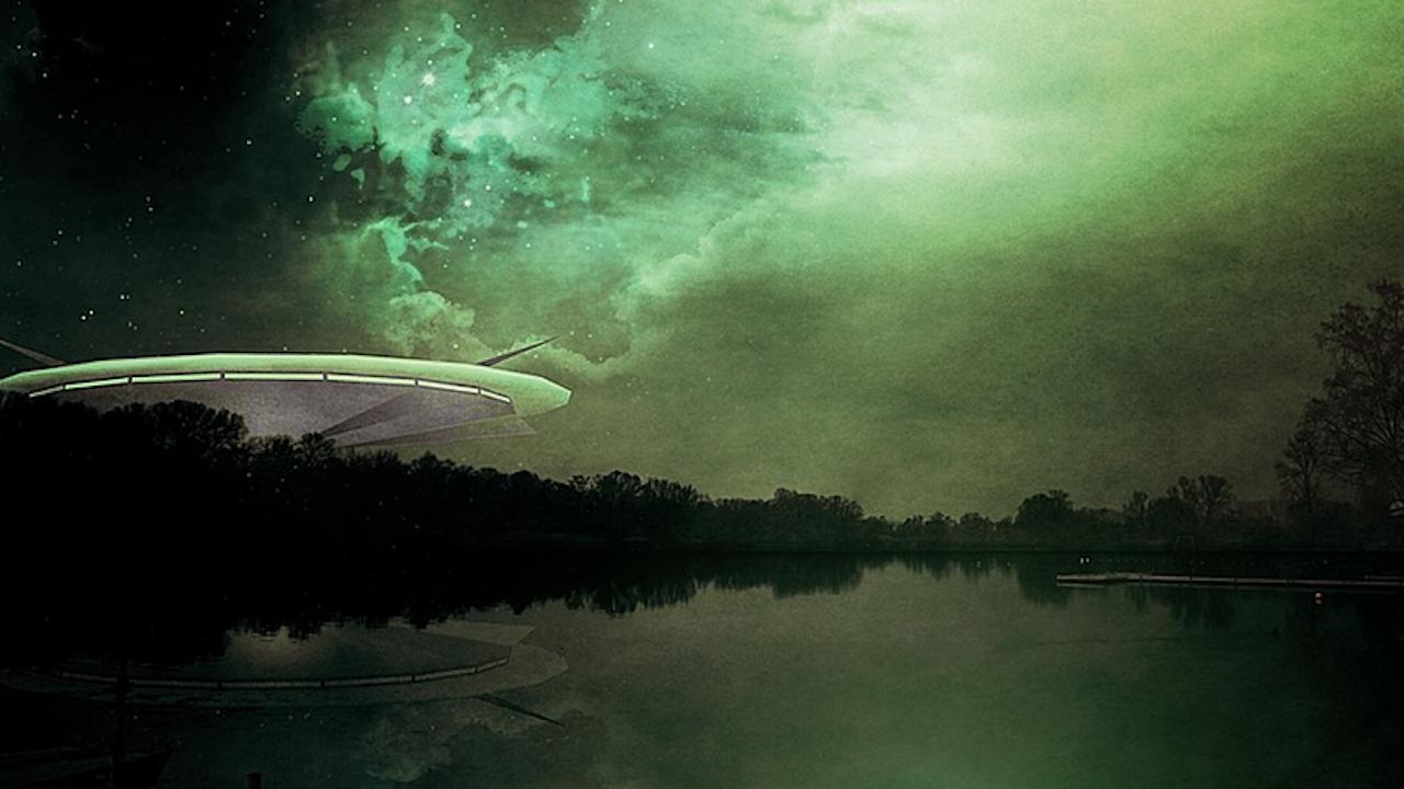US военни показаха гмуркащо се под водата НЛО