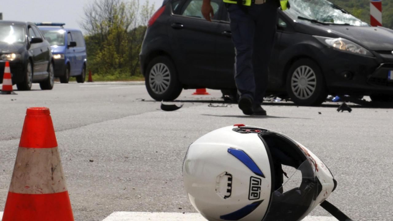 Трима пострадаха при мелета в Асеновград