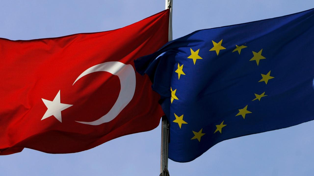 ЕП: Отношенията между ЕС и Турция са на исторически ниско равнище