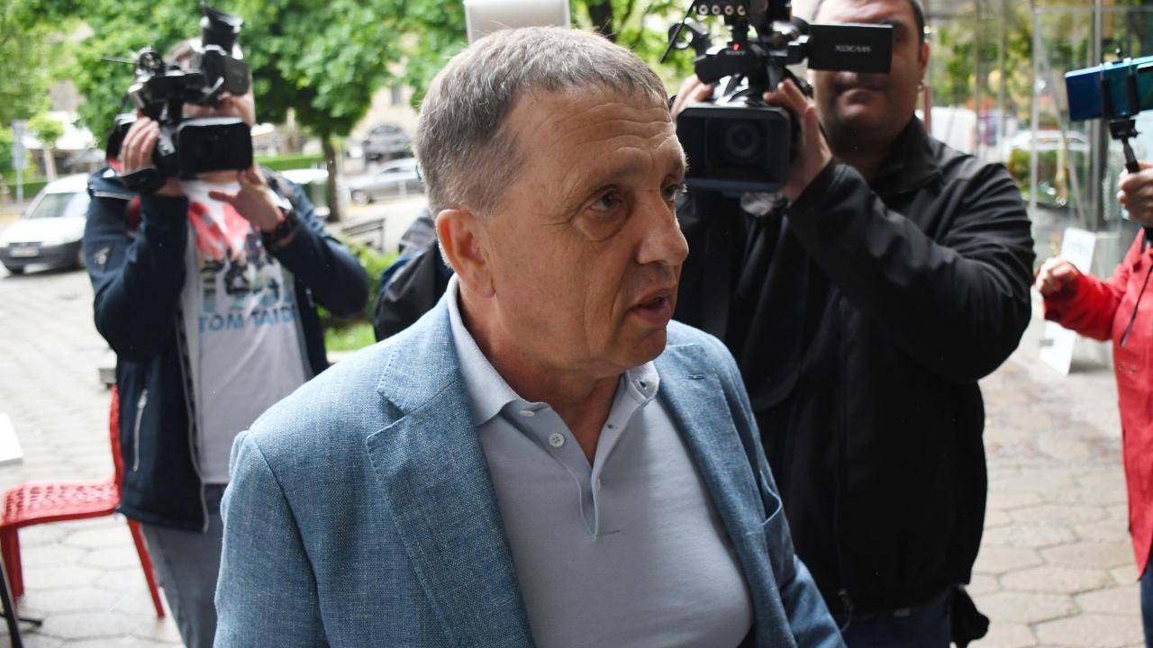 Бизнесменът Иван Ангелов пристигна в прокуратурата на разпит