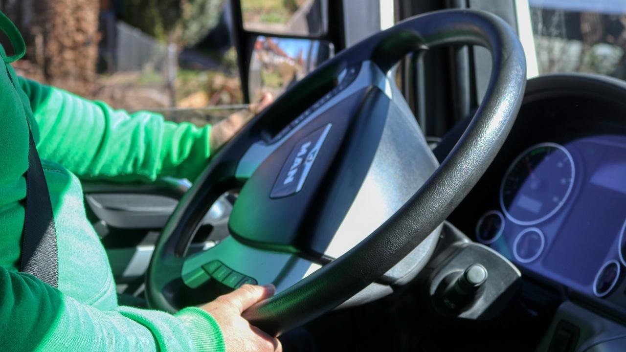 Български шофьори на камиони ще слушат аудио книги