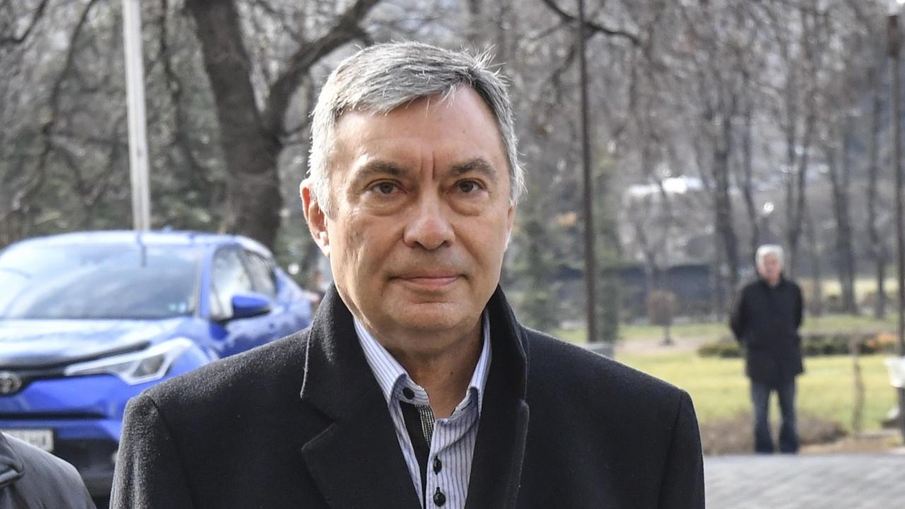 Георги Попов пристига под конвой в България