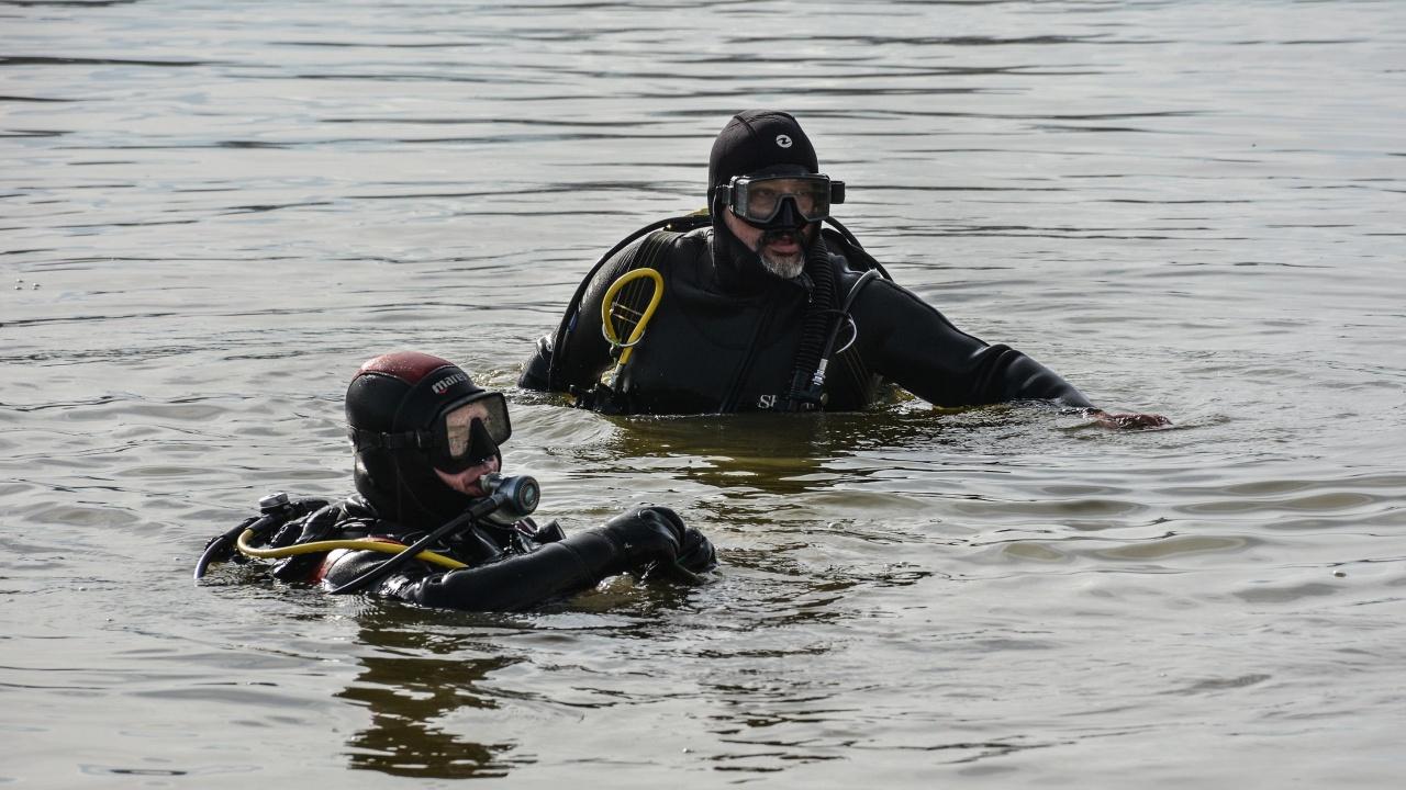 Ученичка от Русе изчезна след матура, водолази търсят тяло
