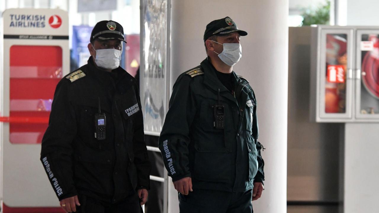 Задържаха грузинци на столичното летище, представили фалшиви PCR тестове