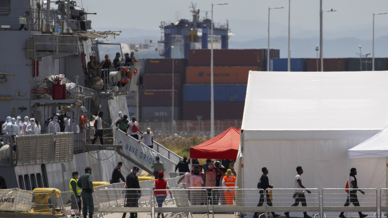 Испания върна 6600 мигранти в Мароко, много семейства още издирват децата си