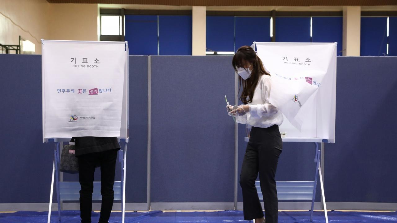 Виетнам избира парламент в неделя, за първи път ще има открито хомосексуален кандидат