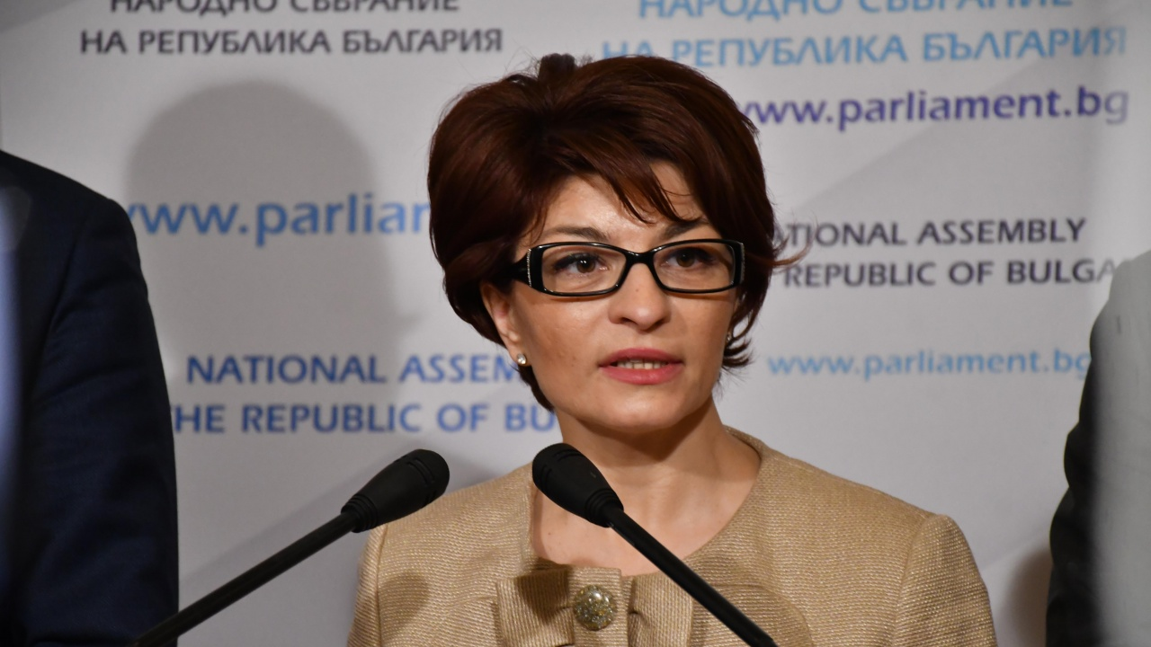 Десислава Атанасова по темата за подслушванията: Това е несериозно!