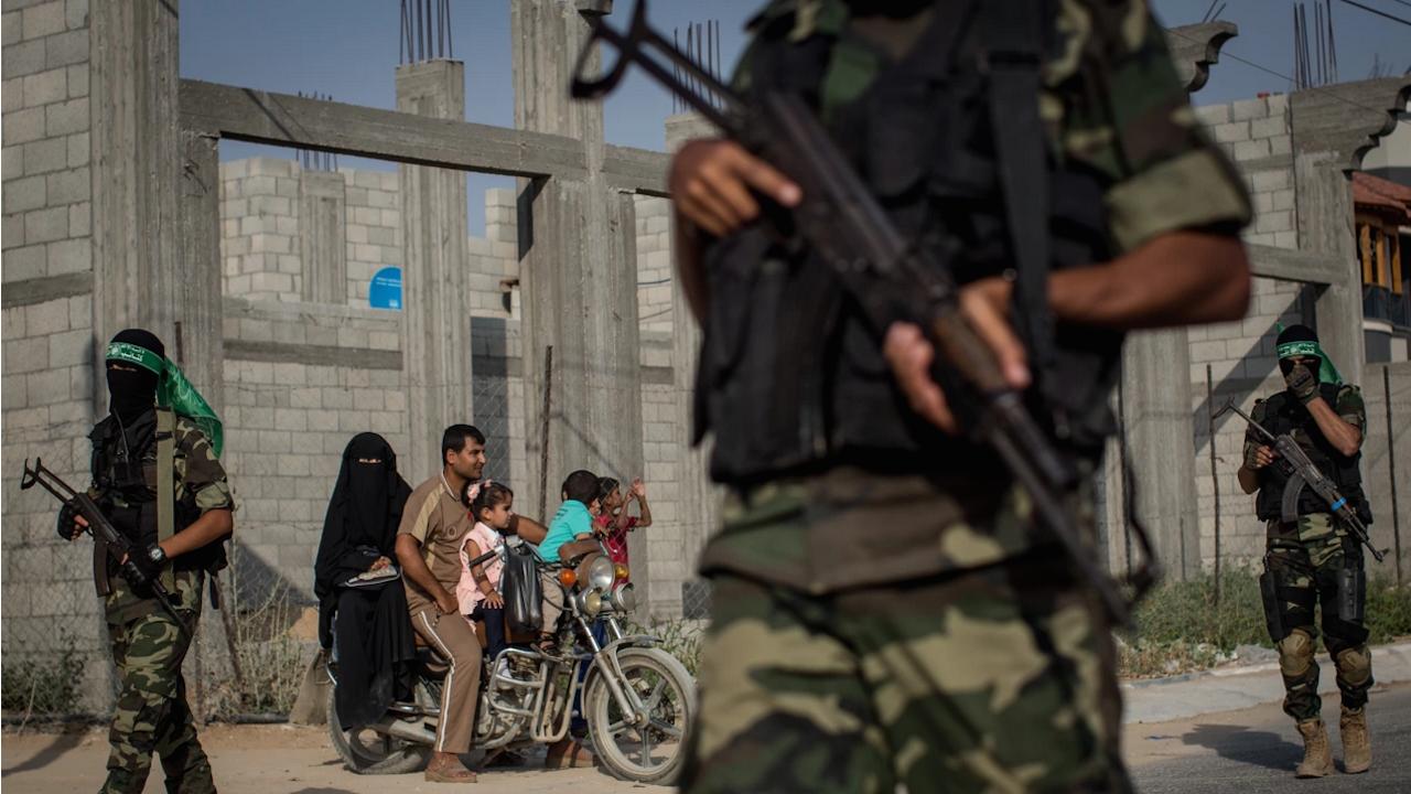 Държавната администрация в Газа възобновява работа от утре