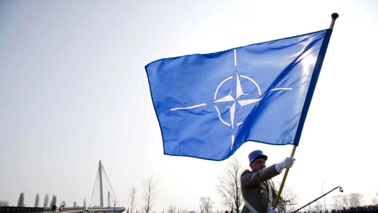 """НАТО: Отклоняването на полета на Роман Протасевич е """"държавно отвличане"""""""