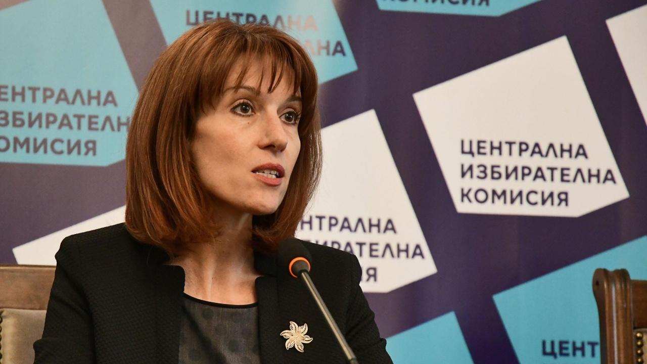 ЦИК пита министър дали летуващите ще могат да гласуват в мястото на почивка