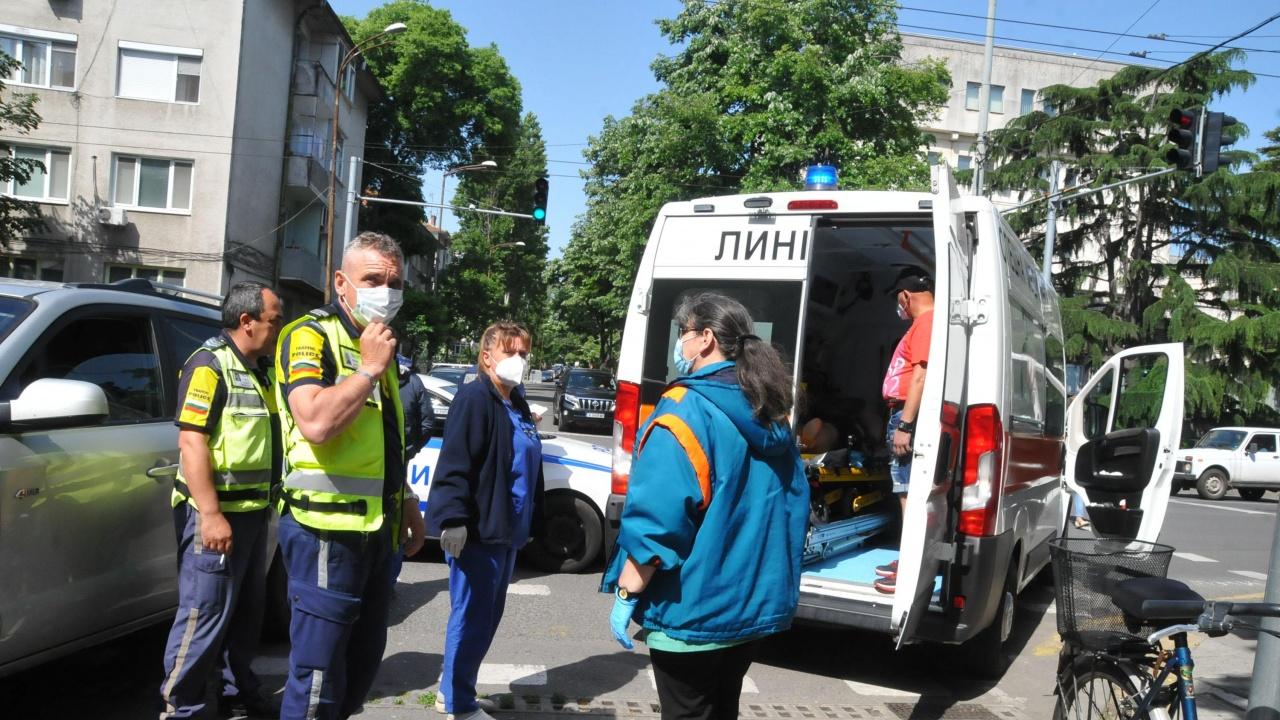 Блъснаха жена на пешеходна пътека в Бургас