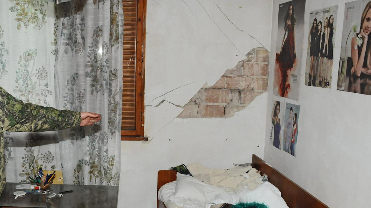 Задействана е процедурата по събарянето на опасна сграда в центъра на Перник