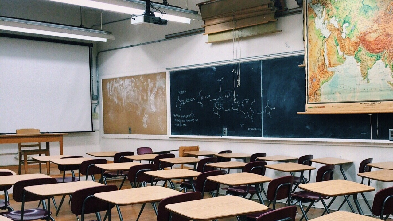 МОН напомня, че всички ученици се връщат в клас от 31 май
