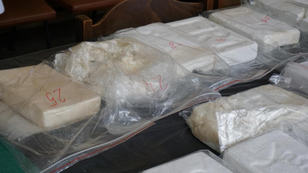 Морето изхвърли кокаин за около 113 млн. долара на плажа в Съсекс