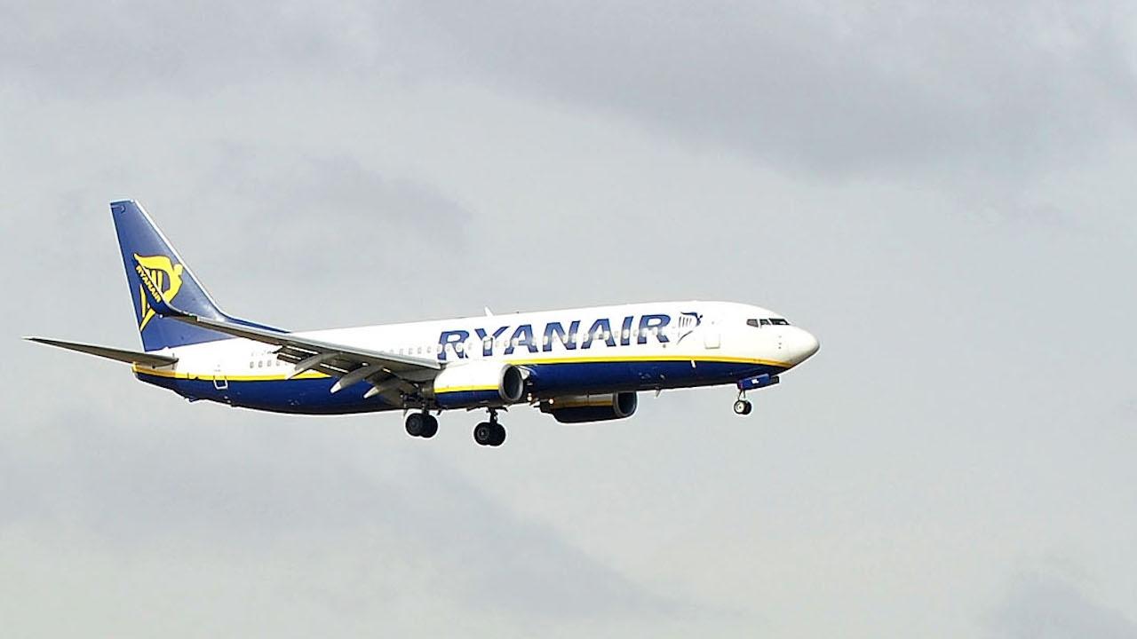 """Швейцарски провайдър: Съобщението за заплаха е изпратено след отклоняването на самолета на """"Райънеър"""" от беларуските власти"""