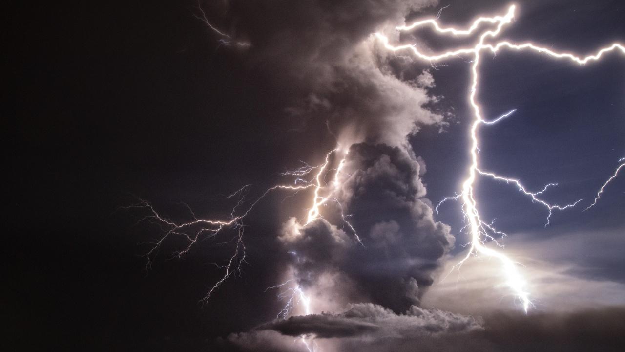 Мълния удари заведение във Враца