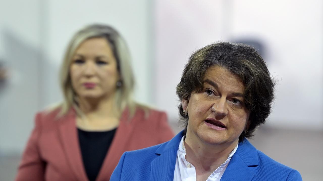 Бивша първа министърка на Сев. Ирландия получи 145 000 евро в дело за изневяра