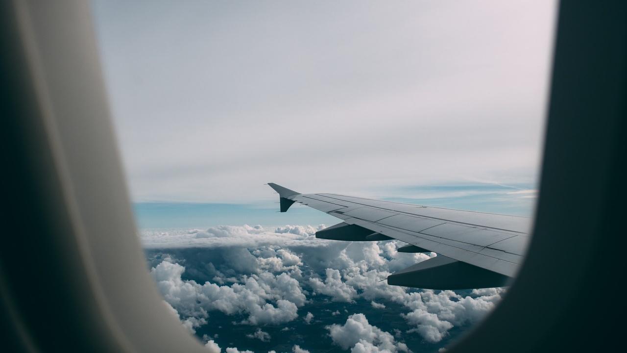 Украйна забранява на регистрирани в Беларус самолети да използват украинското външно пространство